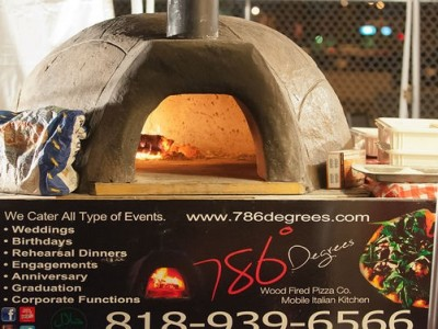 Our mobile stone pizza oven in Los Angeles - weddings, events, parties